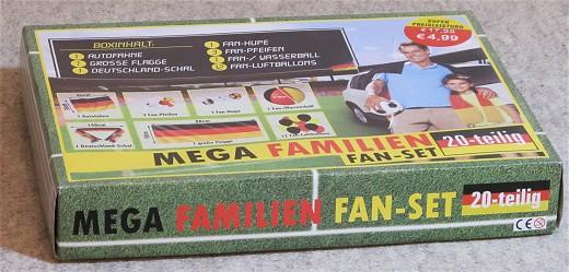 Fan-Set_Karton_(c)_Kay_Sokolowsky