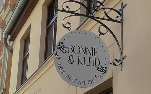 Reklame_Bonnie-und-Kleid_(c)_Kay_Sokolowsky